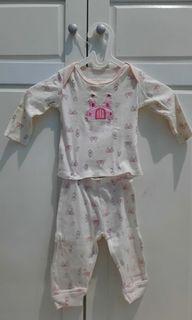 Setelan bayi piyama