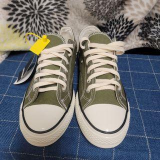 全新帆布鞋(綠)