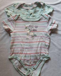 Carter Love jumpsuit pendek bayi