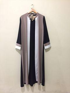 Long Outer/ mecca abaya by @heaven_lights