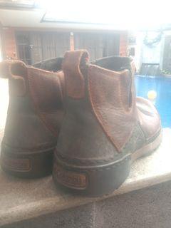 Sepatu boot columbia