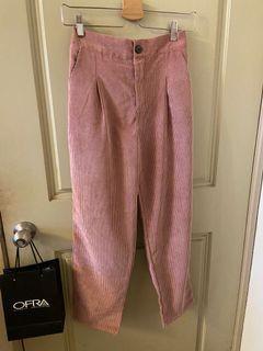 粉色燈芯絨老爺褲