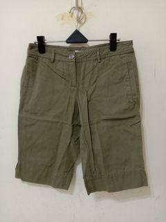 九成新~ 西班牙品牌 MANGO 100% COTTON 休閒五分褲 尺寸: USA 4