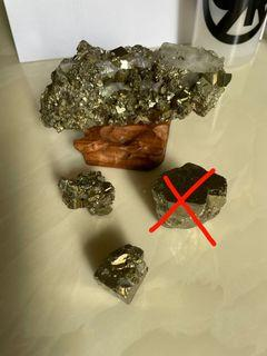 Pyrite with crystal 黄铜矿共生