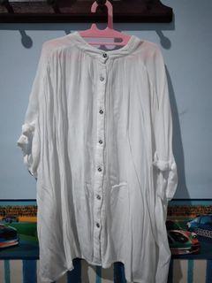 White shirt minimal