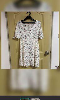 柔軟的碎花短洋裝🌸 #618