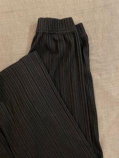 黑色百摺痕寬褲