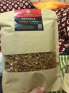 Vanilla Almond Granola Nutriology 400 gram
