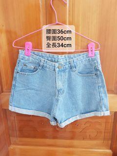 淺藍色牛仔短褲 L