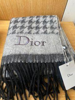 Dior 雙面千鳥格圍巾全新、朋友送