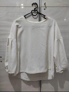 GU uniqlo atasan blouse putih