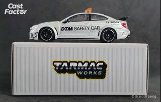 Tarmac Works Global64 - 1:64 Mercedes-Benz C63 AMG Coupé Black Series DTM Safety Car