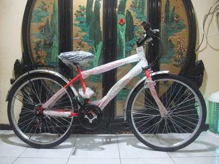 brand new red bicycle free locks and light Taoyuan Station Can be shipp
