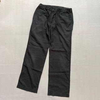 Celana longpants uniqlo relax angkle black size 32/33