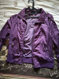 Jaket ungu