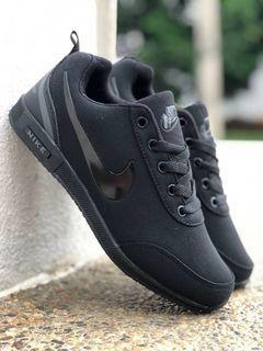 Kasut Nike Unisex all black free postage