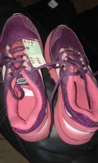 running shoes decathlon pink cantik