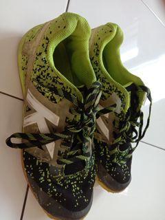 Sepatu Futsal Kelme Subito Knit