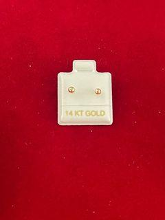 14kt gold stud earring