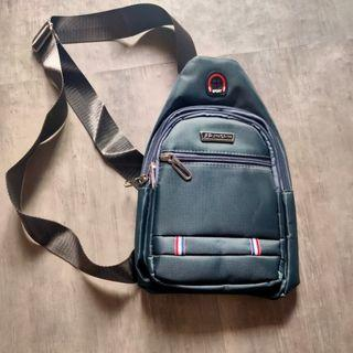 全新 胸包  包包 Chest bag#618