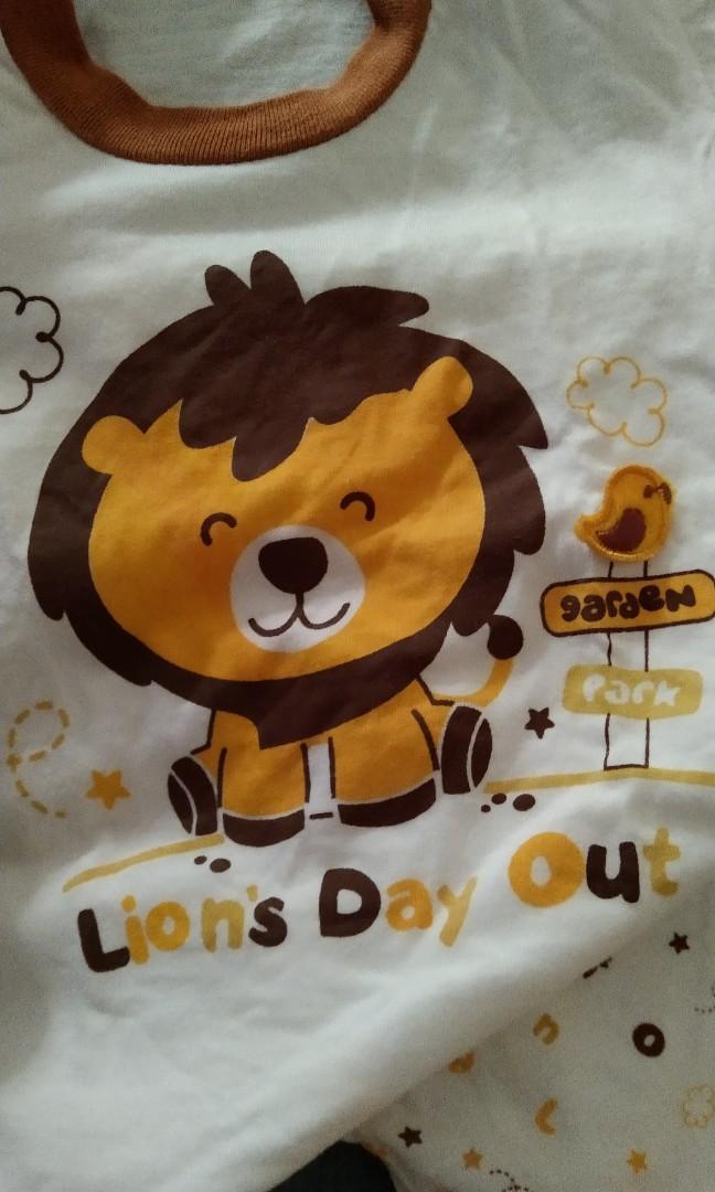 Baju bayi lion