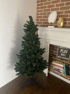 Christmas tree (fake) with lights