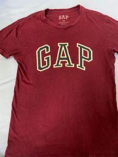 Gap酒紅色上衣
