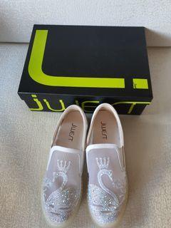 JWest Sneakers