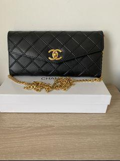Ladies Wallet on Chain