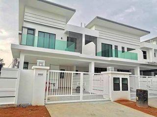 Loan rejected unit! Freehold 2 storey superlink house near KL Cheapest in town! ! ! Shah Alam