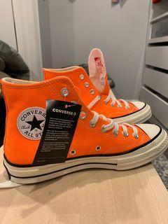 Men's size 7 women's 9- Brand new never worn converse