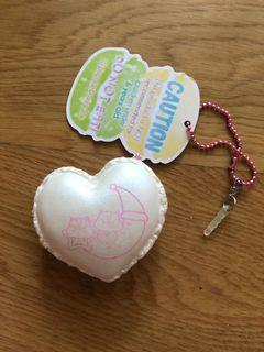 Poli heart macaroon by popular boxes