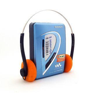 Sony WM-FX199 Walkman Portable AM/FM Radio/Cassete Player In Excellent Working Condition.