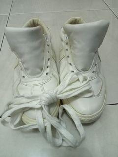White sneakers -Original North Star