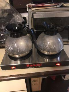 Coffee/tea warmer with glass decanters