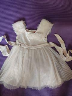 超靚名牌ELLE女童花女裙 白色紗裙面試裙 size:90