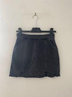 FOREVER21 black/ grey distressed denim jeans skirt - SIZE SMALL