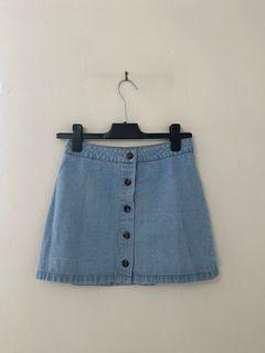 FOREVER21  lightwash jean denim skirt with buttons SIZE SMALL