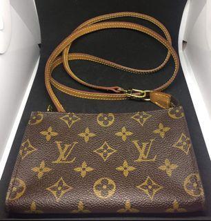 Louis Vuitton Sling wallet
