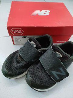 New balance sepatu anak (15cm insole)
