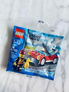 NEW LEGO City 30221 Fire Car & Fireman Set With Minifigure