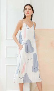 6style.co Lavelle Pleated Midi Dress