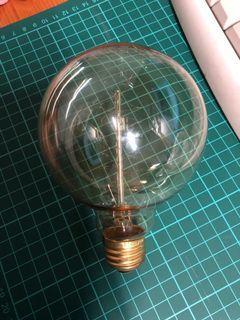 愛迪生燈泡