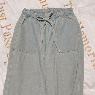 直筒修身寬褲 柔軟牛仔布