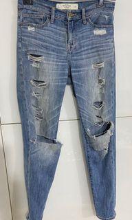 [正品] Abercrombie & Fitch 女用9分牛仔褲