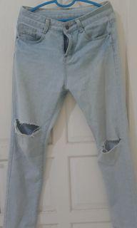 riped jeans no brand