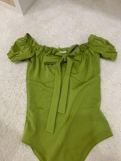 綠色短袖包臀衣