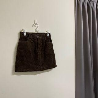 咖啡色☕️絲絨質感短裙 #loveislove