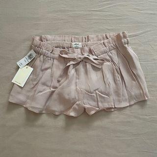 Aritzia Wilfred Pink Flowy Shorts