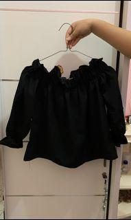 Black Sabrina Top / Atasan Wanita / Baju Korea [Preloved]